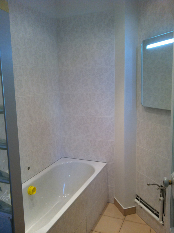 salle de bains carrelage baroque. Black Bedroom Furniture Sets. Home Design Ideas