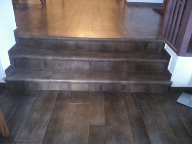 Pose de carrelage imitation parquet for Pose en quinconce carrelage