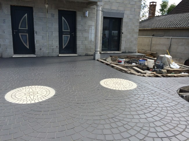 B ton d coratif finition pav s de paris for Dalle beton finition quartz