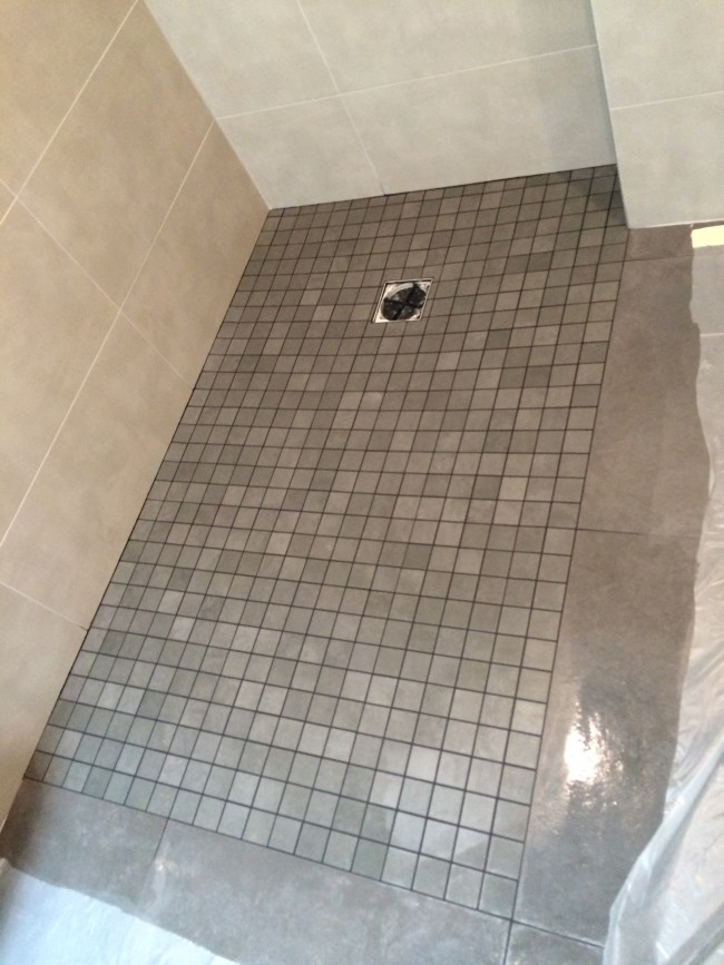 R novation d 39 une salle de bain tournan en brie - Lumiere douche italienne ...