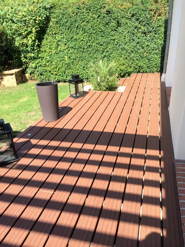 La Société Augusto a réalisé cette terrasse en composite à Sucy en Brie - Val de Marne (94)