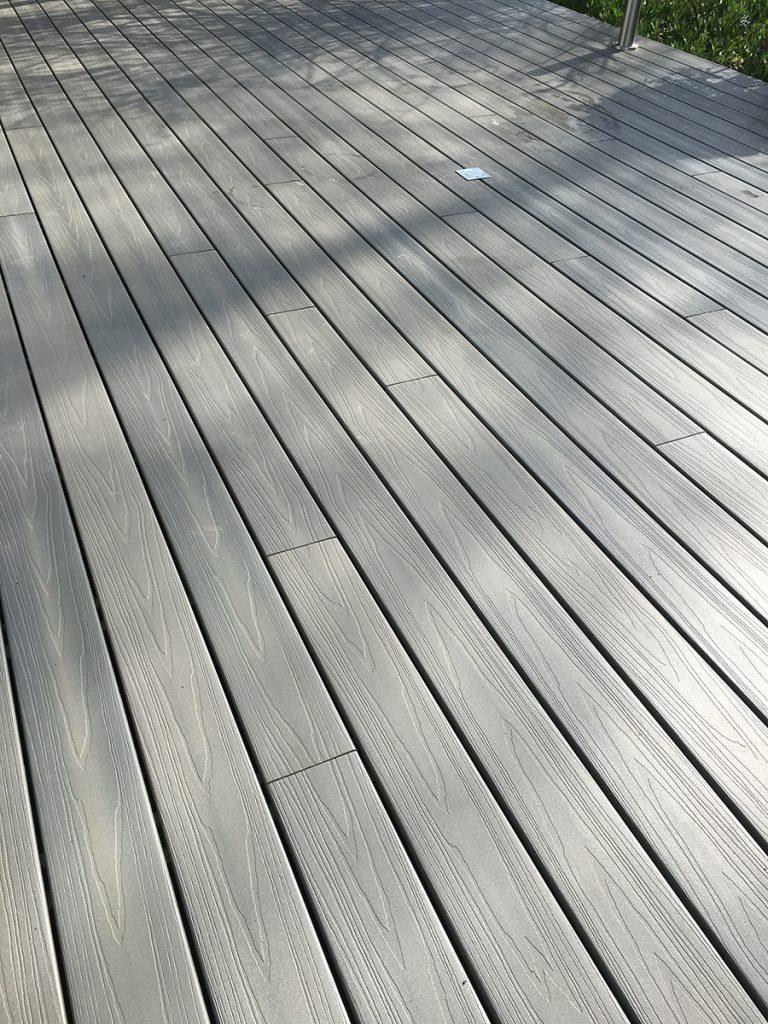 terrasse en bois composite gris l signy. Black Bedroom Furniture Sets. Home Design Ideas